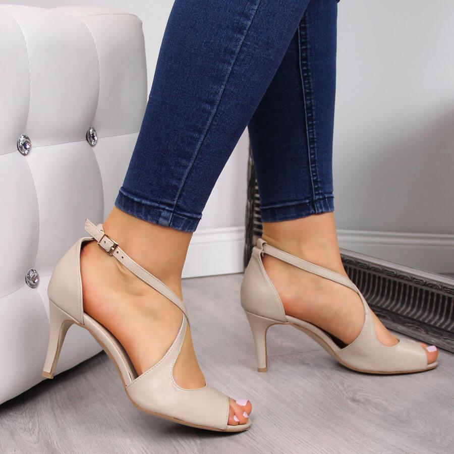 Sandały damskie skórzane na szpilce beżowe Juma 2756