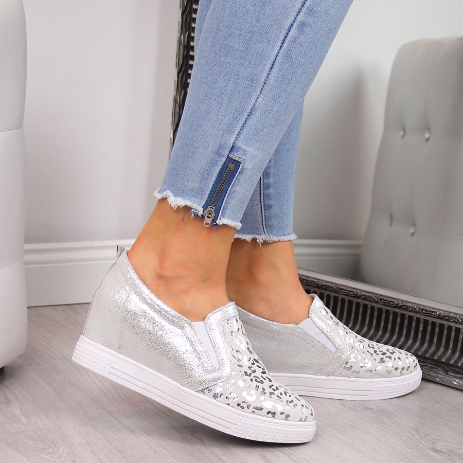 Sneakersy skórzane damskie na koturnie w panterkę srebrne Filippo