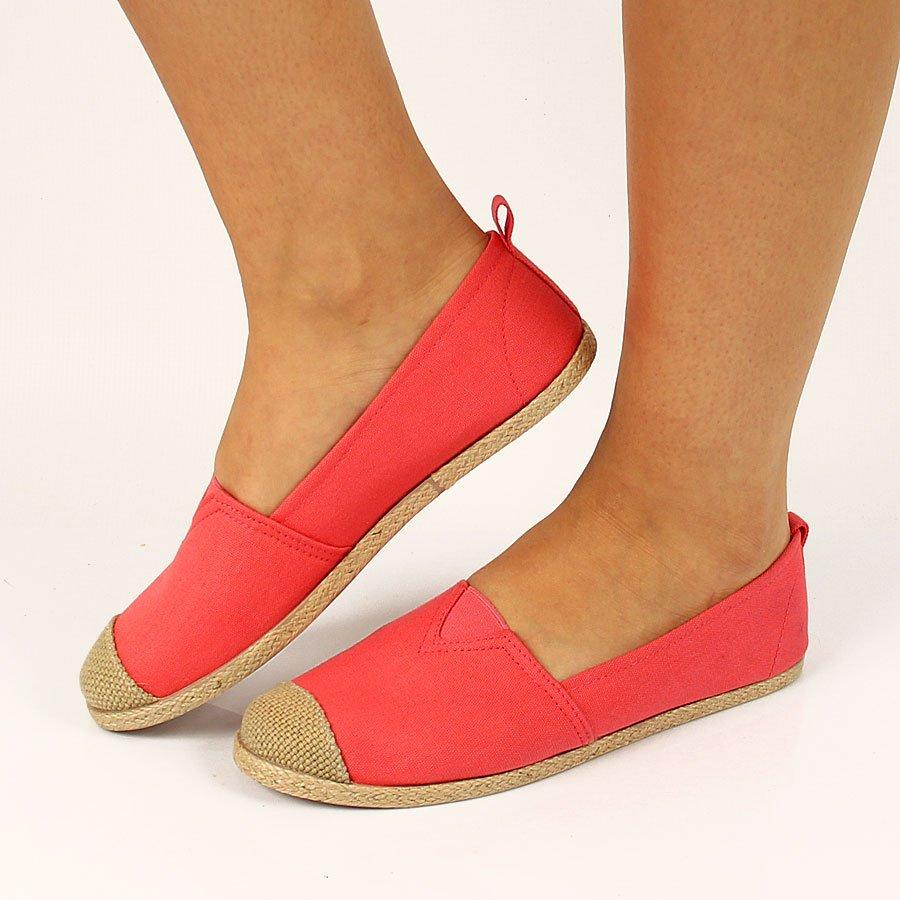 b31c342b Najwygodniejsze buty na wakacje, wycieczkę, do zwiedzania – przegląd ...