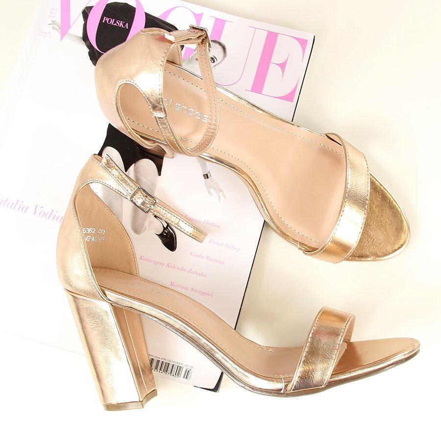 Sandały na słupku złote Ideal Shoes
